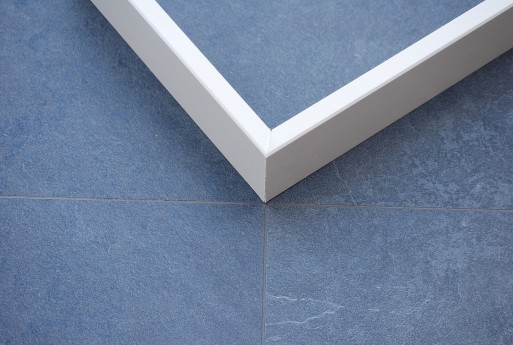 Cm mdf hoge plinten voorgeschilderd wit laminaatvloeren